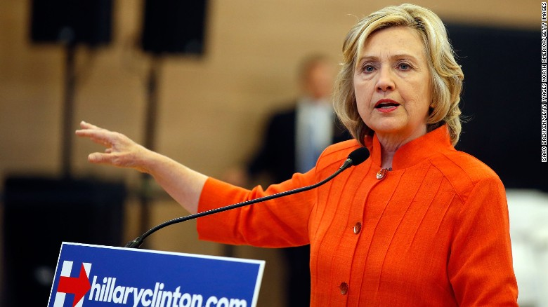 Clinton jokes about wiping server 'with a cloth'