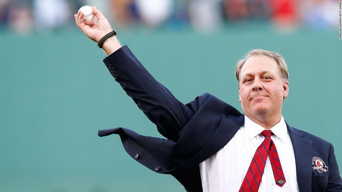 Curt Schilling considering Senate challenge to Elizabeth Warren