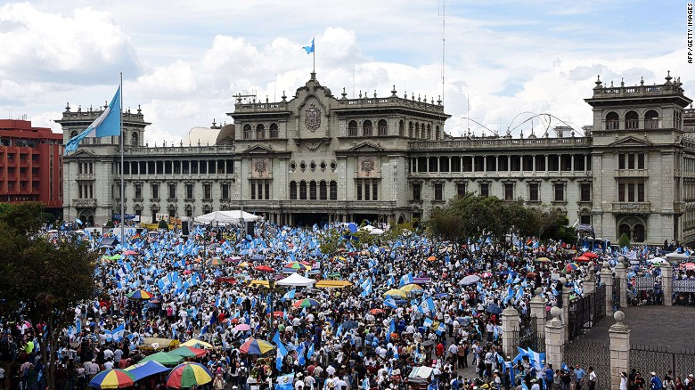 Thousands strike to force Guatemala's President to resign