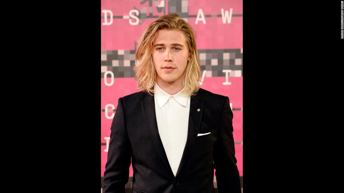 Justin Bieber Why I Cried At The VMAs CNN - Justin bieber new hairstyle vma