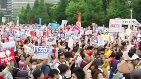 japan protests security bill sot_00005123