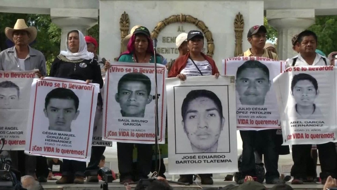 Fugitive police chief in Mexico arrested in case of 43 missing students