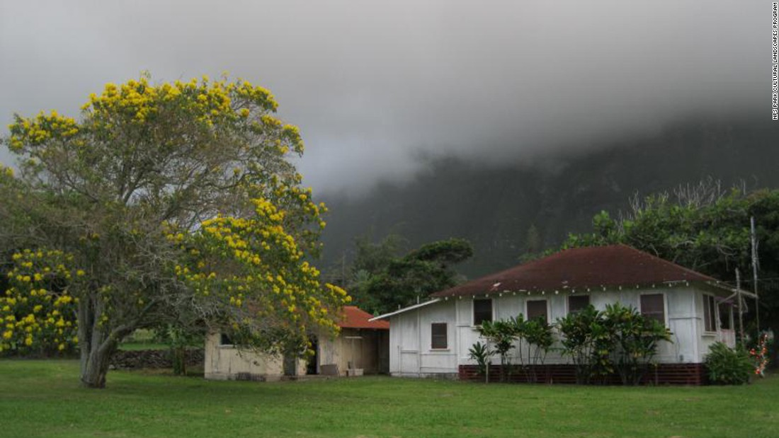Many Kalaupapa residents lived in individual cottages, with gardens. Children and less healthy adults generally lived in communal homes.