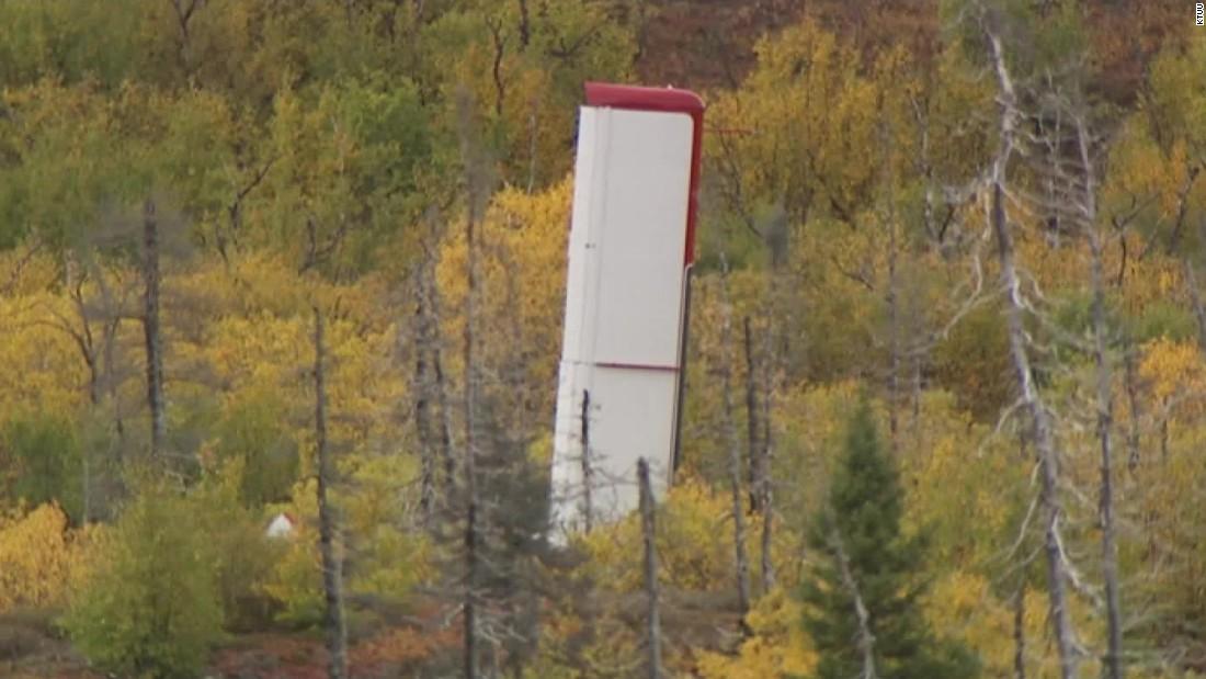 Alaska plane crash kills 3 people; 7 survivors reported