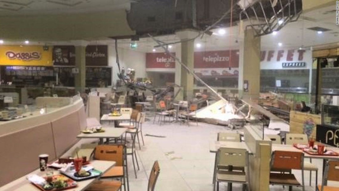 Customers had quickly evacuated a mall in Coquimbo as the ceiling of a food court collapsed on September 16.