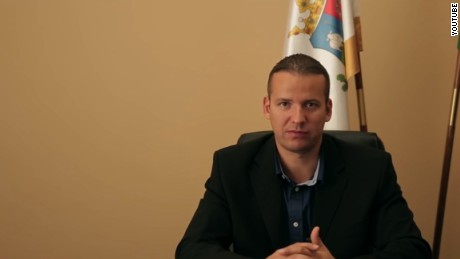 Hungary mayor's anti-migrants video
