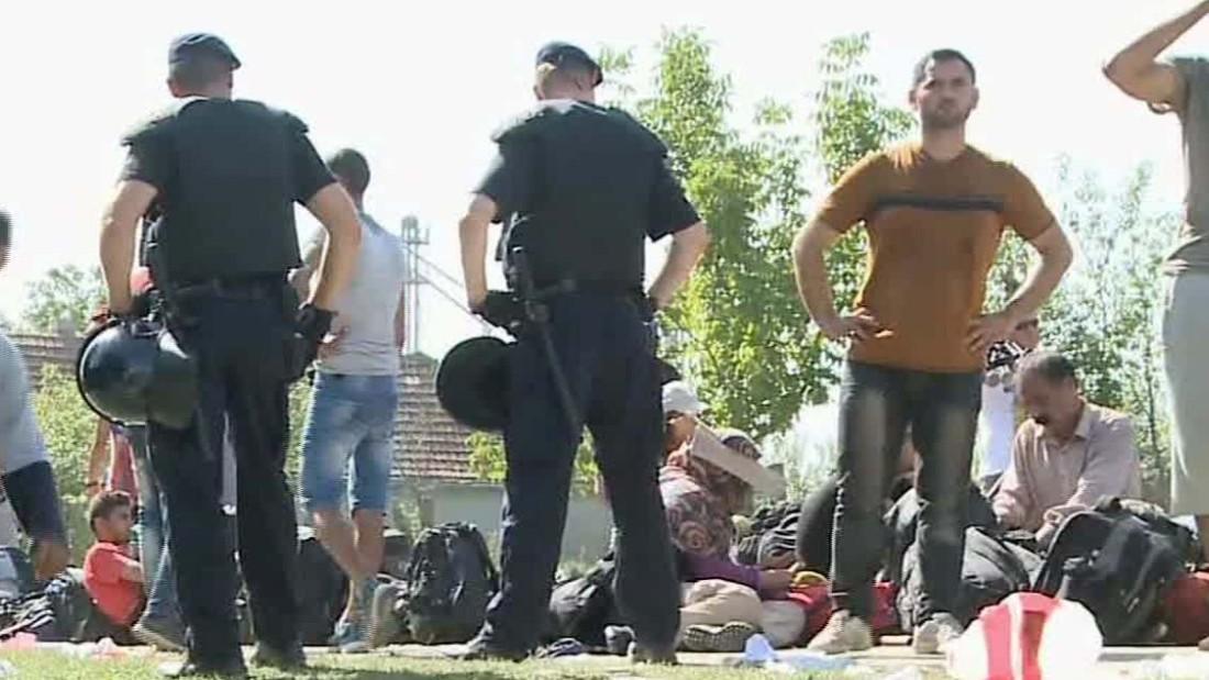 Hungary says Croatia helping migrants illegally cross borders