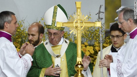 Pope Francis celebrates mass at the World Meeting of Families at Benjamin Franklin Parkway in Philadelphia on Sunday, September 27.