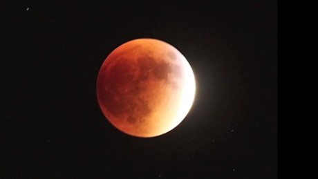 cnnee vo super moon eclipse _00003010