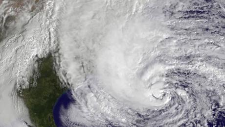 how hurricanes are named orig_00002729