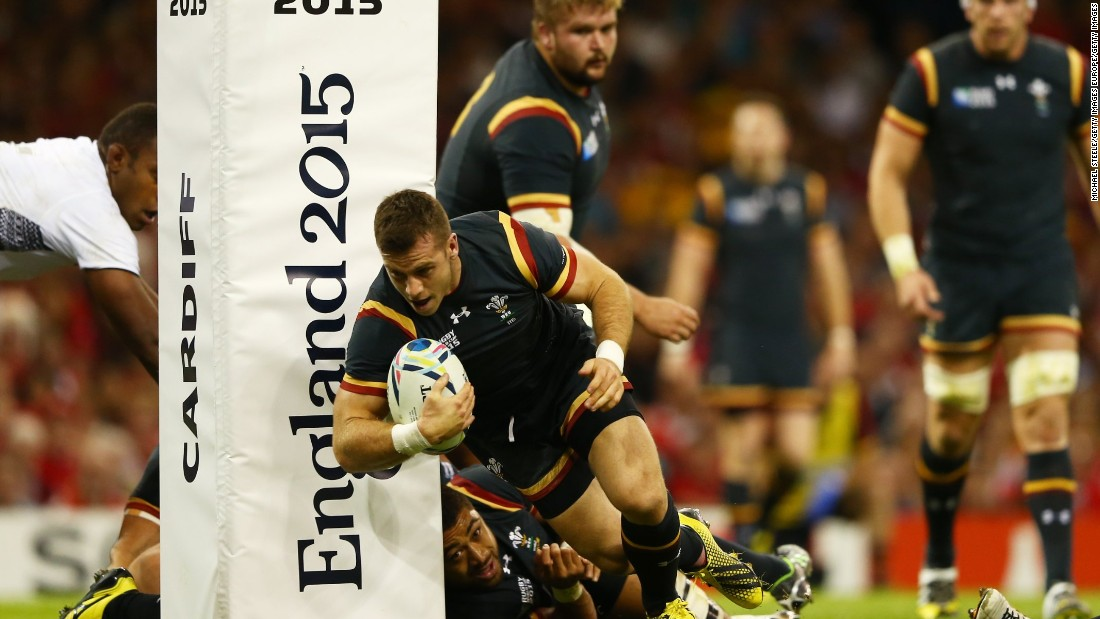 Gareth Davies scored an early try to settle Welsh nerves and get the home side off to the perfect start.