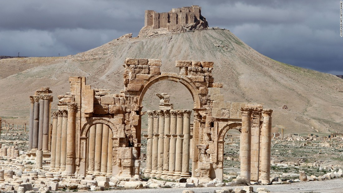 ISIS destroys Arch of Triumph in Syria's Palmyra ruins