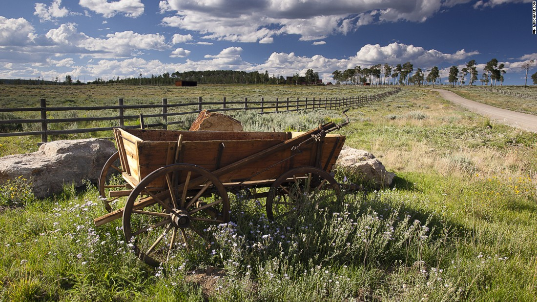 The ranch located in the Rocky Mountains covers a total of 1,400 acres.