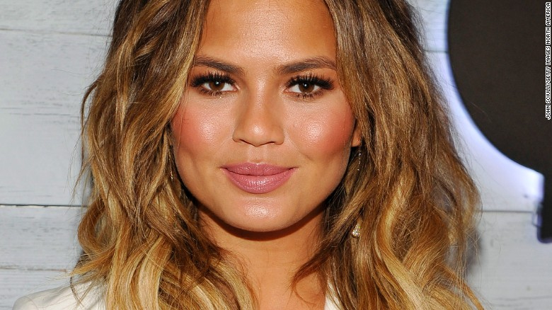 Chrissy Teigen reveals postpartum depression