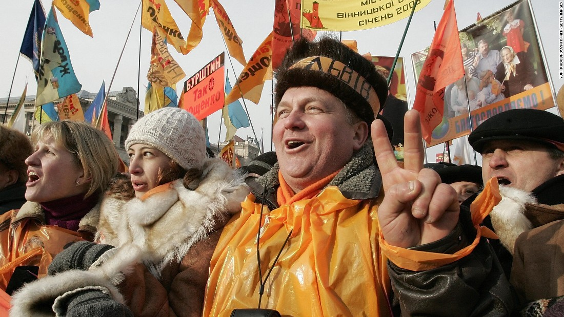 'Easy crowd' offers a similar service in Ukraine, inspired by the 'Orange Revolution,' and the business model is spreading.