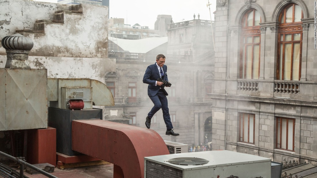 "The latest James Bond film ""Spectre"" opened with a stunning sequence set in Mexico City, including this rooftop run by actor Daniel Craig."