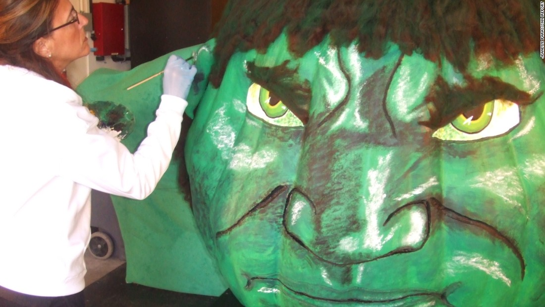 Paras sometimes creates pumpkin paintings for events, like this 746-pound rendition of The Hulk at former Ohio Gov. Ted Strickland's residence to promote green energy in 2010.