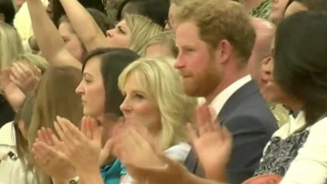 Prince Harry aids injured vets in U.S. Cho pkg_00000110