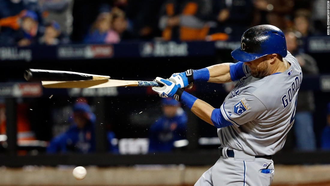 Alex Gordon of the Royals breaks his bat in the second inning of Game 4.