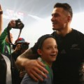 sonny bill williams fan hug