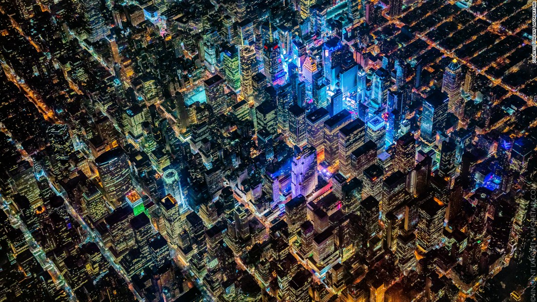 Photographer Captures Megacities From Feet CNN Style - Photographs capture busy working life cities around world