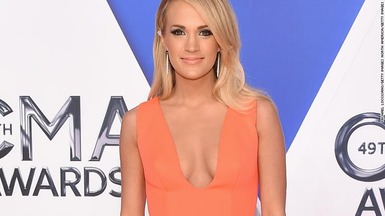 Carrie Underwood needed 40 stitches after fall