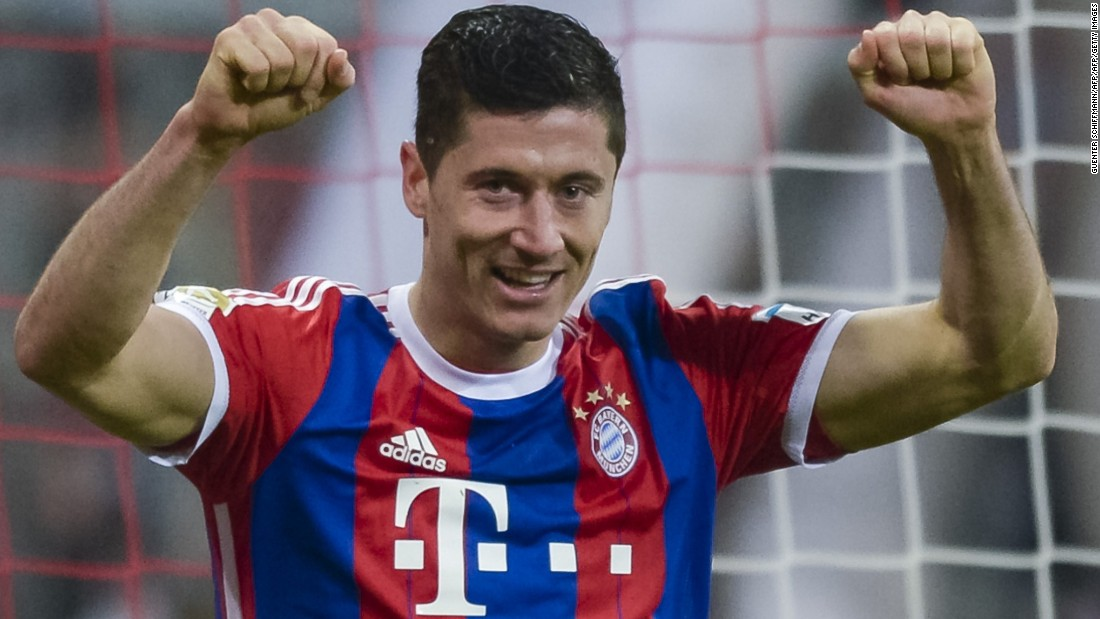 After two matches without a goal, Lewandowski ends his mini-drought in a 4-0 win against Cologne as Bayern became the first team to win the opening 10 Bundesliga games, reach the milestone of 1,000 top-flight victories.