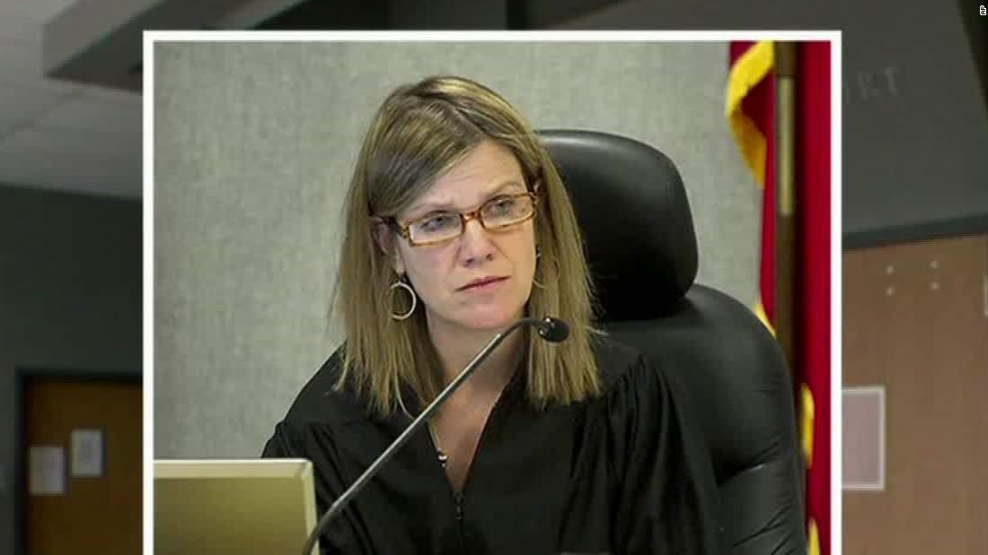 Police: Texas judge shot outside her home