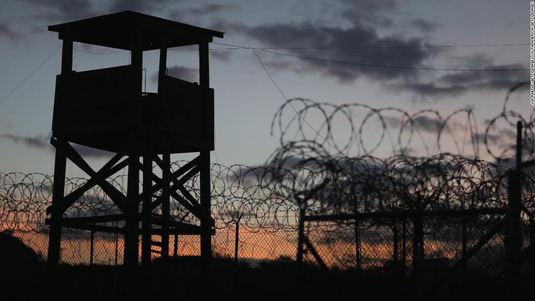 Obama gives Congress Guantanamo closure plan