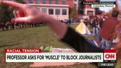 mizzou protesters clash media journalism school professor lead live_00011630.jpg