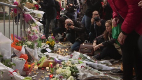 paris terrorist attacks gunmen memorial residents_00002214.jpg