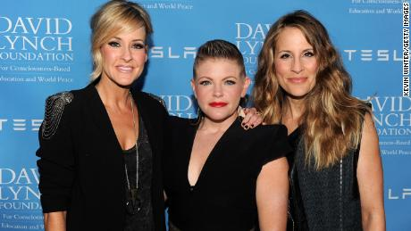 Martie Maguire, Natalie Maines and Emily Robison, da sinistra, of the Dixie Chicks in 2014. Nel 2020 they shortened the band's name to the Chicks.