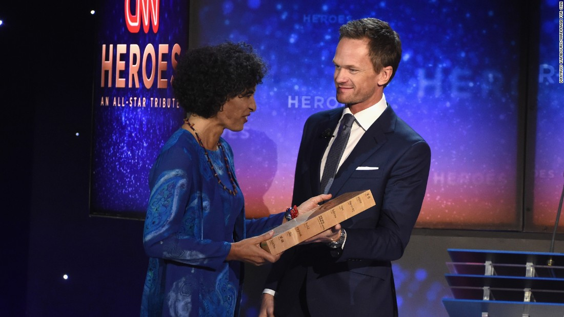 "2015 CNN Top 10 Hero Monique Pool receives her award from presenter Neil Patrick Harris. Pool -- nicknamed ""The Sloth Lady"" -- was honored for her remarkable work with animals in Suriname."