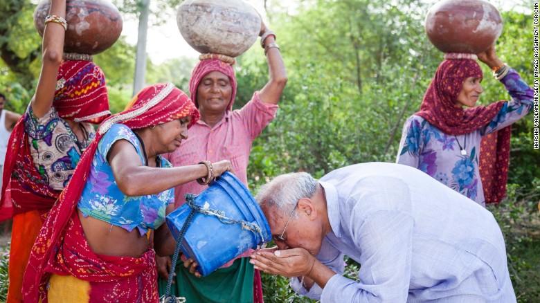 Save Water Slogans In Hindi - पानी बचाये, जीवन बचाये