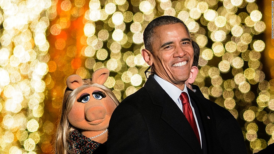 Obama and Miss Piggy as the event finishes.