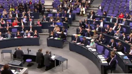 german lawmakers anti isis military role vote shubert cnni nr lklv_00001327