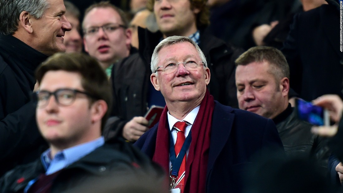 Former Manchester United manager Alex Ferguson (C) attended the game.