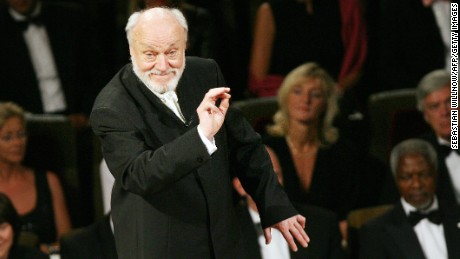 Leipzig, GERMANY: German conductor Kurt Masur performs at the Leipzig Gewandhaus Orchestra in Leipzig, eastern Germany 16 June 2007. Masur, born 18 July 1927, celebrated his 80th birthday with a gala-concert at the Gewandhaus. AFP PHOTO DDP/SEBASTIAN WILLNOW GERMANY OUT (Photo credit should read SEBASTIAN WILLNOW/AFP/Getty Images)