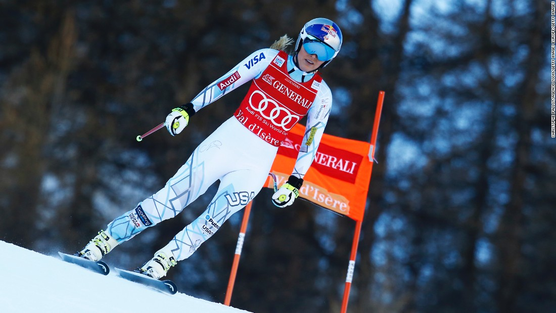 Lindsey Vonn crashed out of the World Cup women's downhill in Val d'Isere on Saturday.