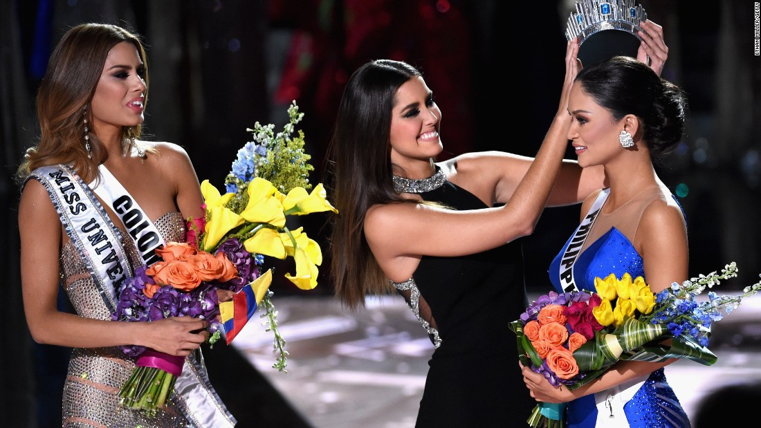Wrong contestant crowned at Miss Universe 2015
