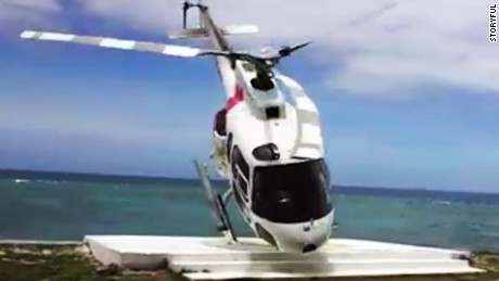 helicopter crash video tourists Fiji_00000000
