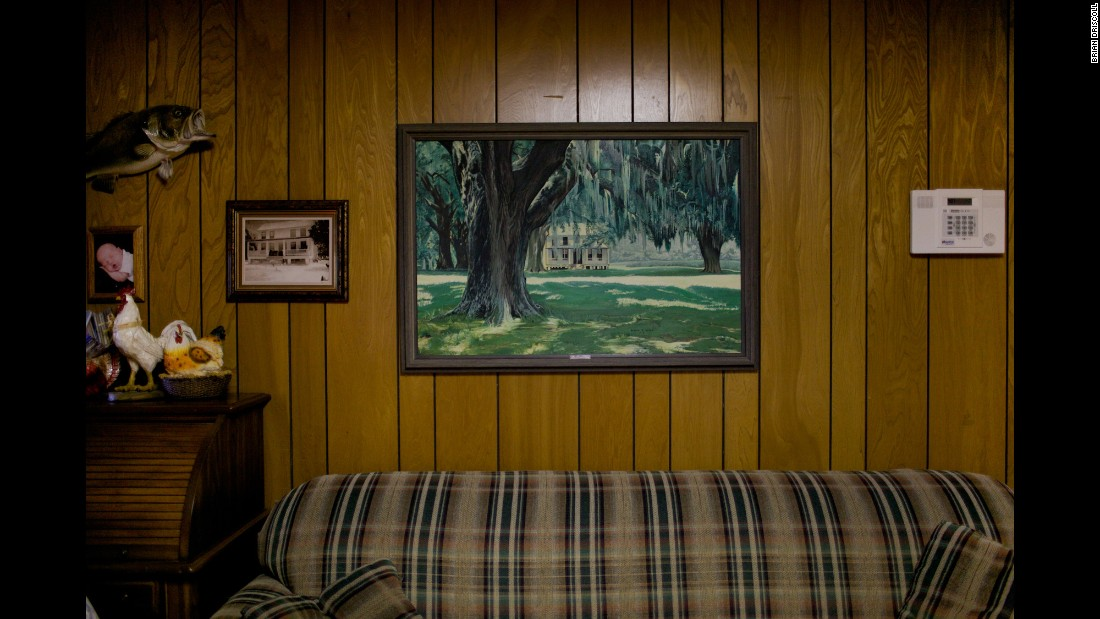 A painting of Frampton's childhood home hangs on the wall of his brother's house in Varnville.