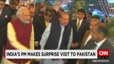 exp Modi makes surprise visit to Pakistan_00002001
