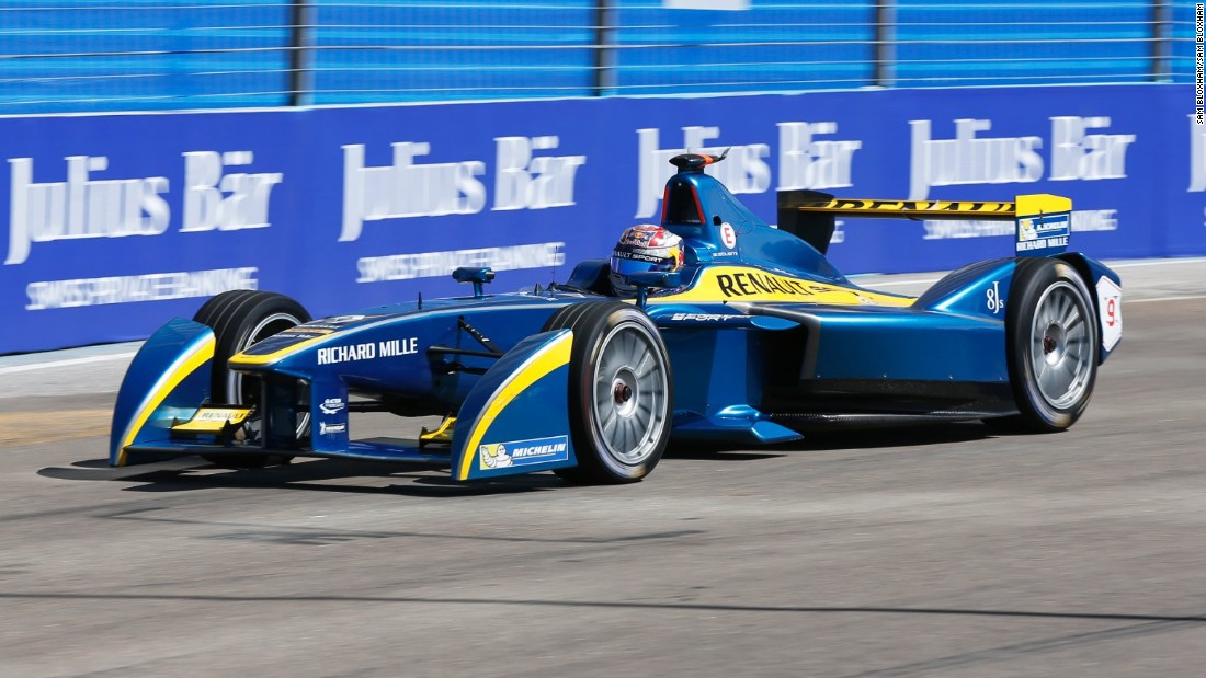 "Formula E's cars, like the Renault e-dams racer pictured, run on rechargeable batteries with a maximum power of 200 kilowatts. F1's hybrid racers rely on a turbocharged 1.6-litre V6 engine and an <a href=""https://www.formula1.com/content/fom-website/en/championship/inside-f1/understanding-f1-racing/Energy_Recovery_Systems.html"" target=""_blank"">Energy Recovery System (ERS)</a>."