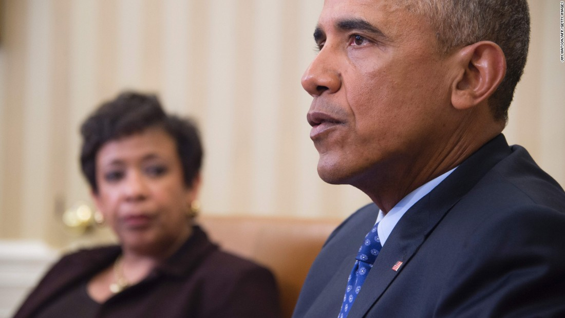 White House outlines gun control moves