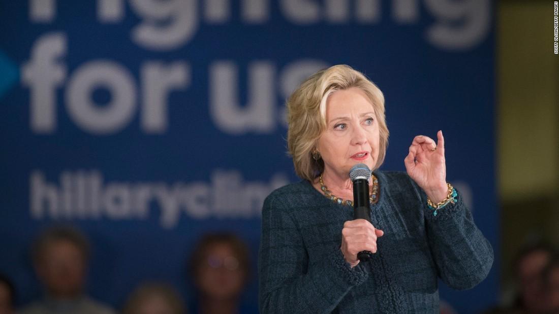 Poll: Democratic 2016 race narrows in Iowa