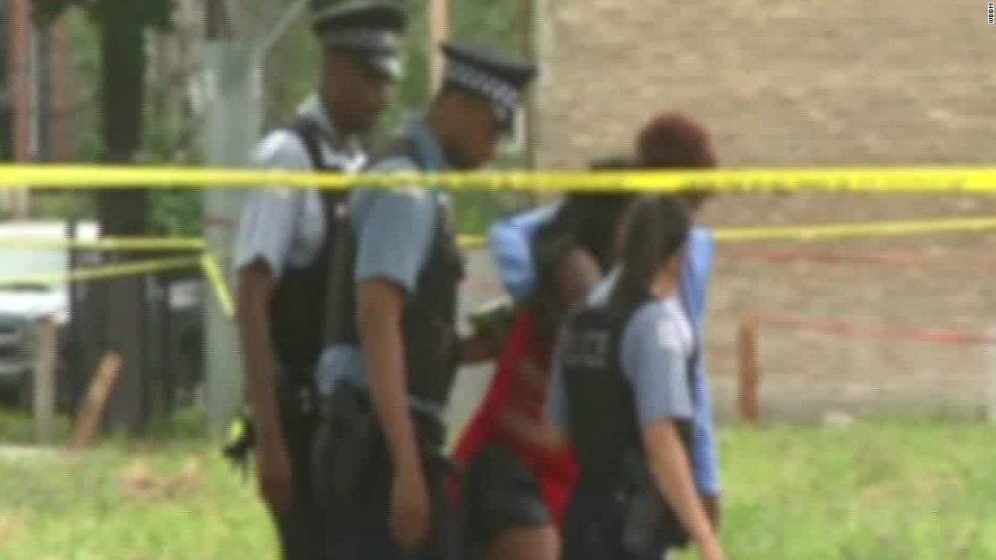 12 shot in Chicago on day Obama calls for action to end gun violence
