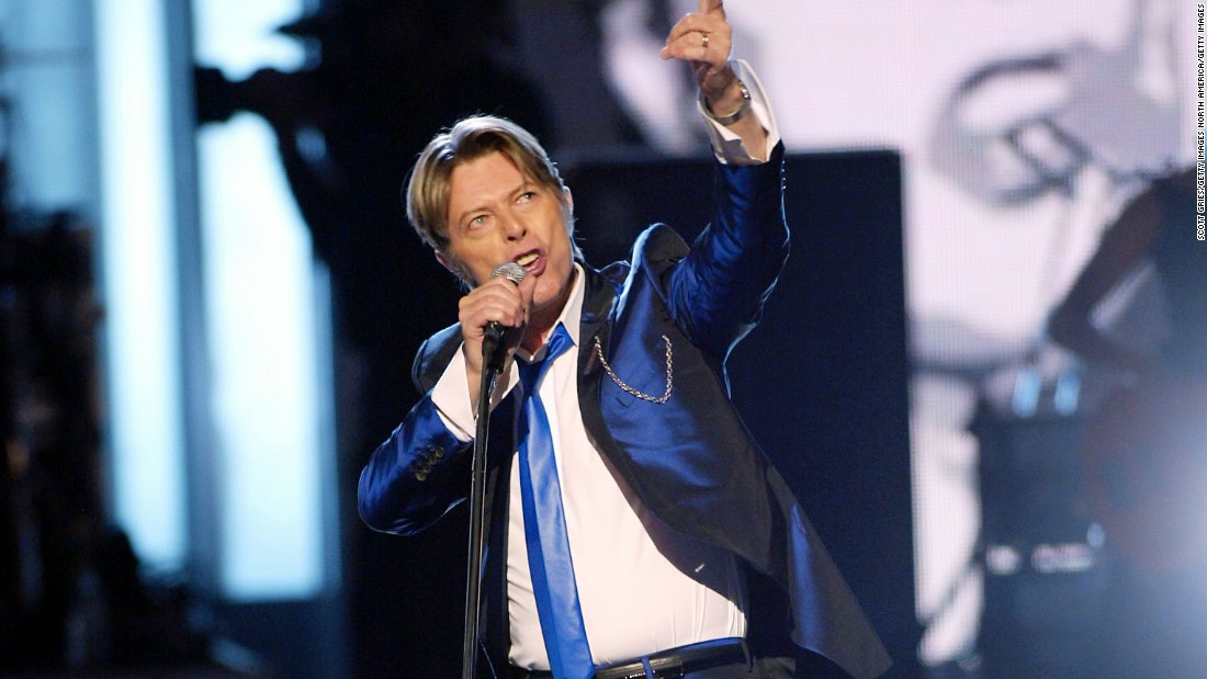 Bowie performs at the 2002 VH1 Vogue Fashion Awards at Radio City Music Hall in New York City.