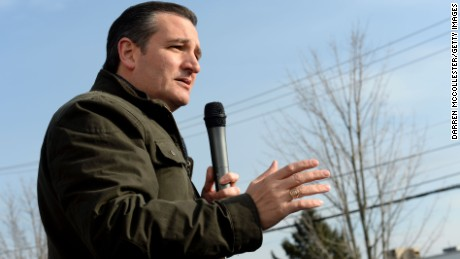 Republican Presidential Candidate Ted Cruz speaks at a second amendment rally at the Granite State Indoor Range and Gun Shop January 12, 2016 in Hudson, New Hampshire. Cruz has built a small lead in Iowa in recent weeks.