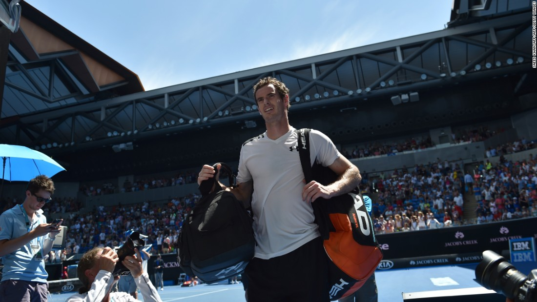 Second seed Andy Murray made light work of his first-round tie against Germany's Alexander Zverev, securing a 6-1 6-2 6-3 win.